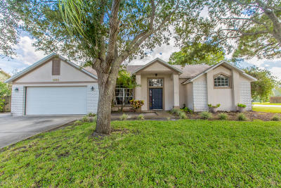 Rockledge Single Family Home For Sale: 985 Pelican Lane