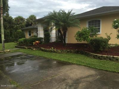 Merritt Island Single Family Home For Sale: 475 E Hall Road