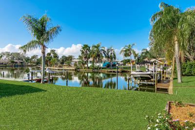 Cocoa Beach Single Family Home For Sale: 33 Yawl Drive