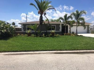 Satellite Beach Single Family Home For Sale: 446 N Neptune Drive N