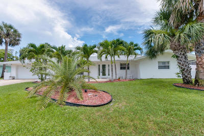 Single Family Home For Sale: 136 Fourteenth Avenue