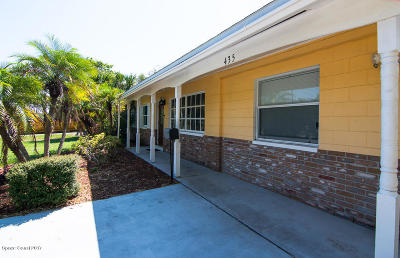 Merritt Island Single Family Home For Sale: 435 S Courtenay Parkway