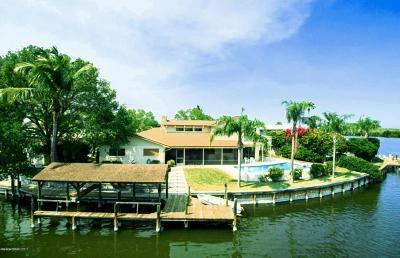 Merritt Island Single Family Home For Sale: 267 Via De La Reina