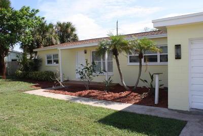 Satellite Beach Single Family Home For Sale: 138 NE 1st Street