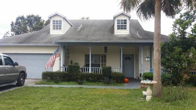 Merritt Island Single Family Home For Sale: 189 Oak Grove Lane