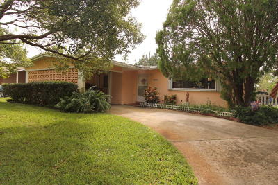 Titusville Single Family Home For Sale: 1635 Thoreau Street