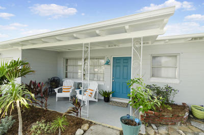 Cocoa Beach Single Family Home For Sale: 1395 Bayshore Drive