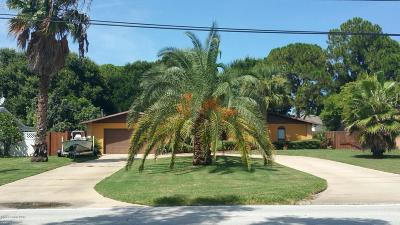 Merritt Island Single Family Home For Sale: 1290 S Tropical Trl S