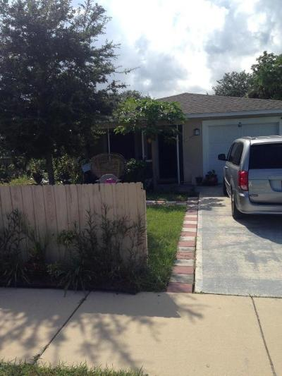 Palm Bay Single Family Home For Sale: 2178 NE Northview Street NE