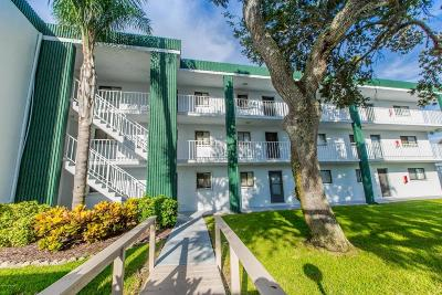 Cocoa Beach Condo For Sale: 1595 N Atlantic Avenue #102