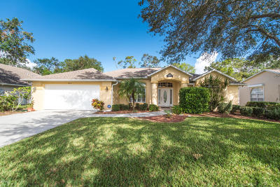 Rockledge Single Family Home For Sale: 1810 Barrington Circle