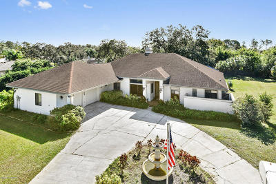 Titusville Single Family Home For Sale: 2503 Cricket Trl
