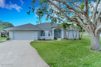 Indialantic FL Single Family Home For Sale: $449,000