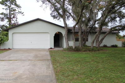 Palm Bay FL Single Family Home For Sale: $169,900