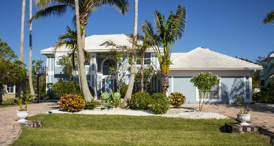Satellite Beach Single Family Home For Sale: 268 Lanternback Island Drive