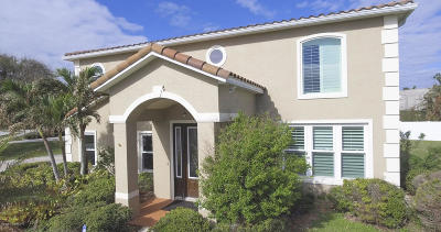 Cocoa Beach Single Family Home For Sale: 1 Cove View Court