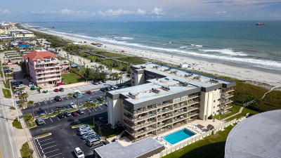 Cocoa Beach Condo For Sale: 4100 Ocean Beach Boulevard #210