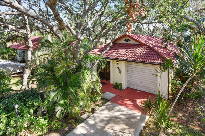 Cape Canaveral Single Family Home For Sale: 8764 Banyan Way