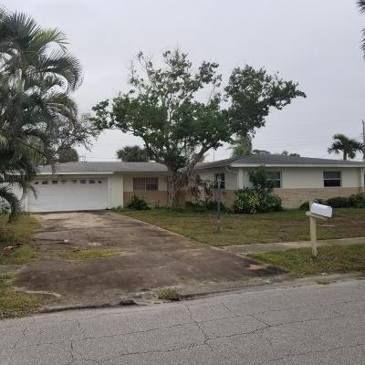 Satellite Beach Single Family Home For Sale: 235 S Robert Way