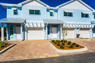Merritt Island Townhouse For Sale: 104 Parrotfish Lane #102