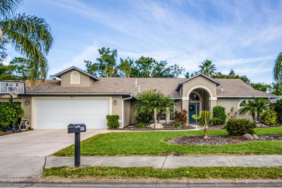 Melbourne Single Family Home For Sale: 971 Somerset Lane
