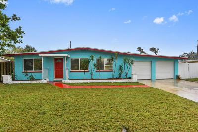 Cocoa Beach Single Family Home For Sale: 470 Capri Road
