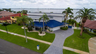 Indian Harbour Beach, Melbourne, Melbourne Beach, Palm Bay, Satellite Beach, Viera, West Melbourne Single Family Home For Sale: 2260 S River Road