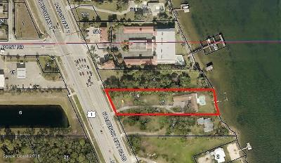 Viera, Melbourne, Melbourne Beach, Indialantic, Satellite Beach, Indian Harbour Beach, Cocoa Beach, Eau Gallie, West Melbourne, Cape Canaveral Single Family Home For Sale: 3967 N Harbor City Boulevard N