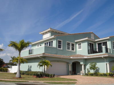 Indian Harbour Beach Townhouse For Sale: 122 Mediterranean Way