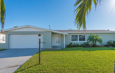 Satellite Beach Single Family Home For Sale: 417 Thrush Drive