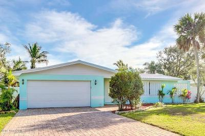 Indian Harbour Beach Single Family Home For Sale: 1109 Seminole Drive