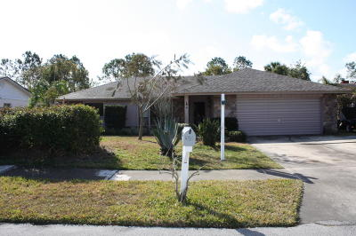 Titusville Single Family Home For Sale: 4931 Squires Drive