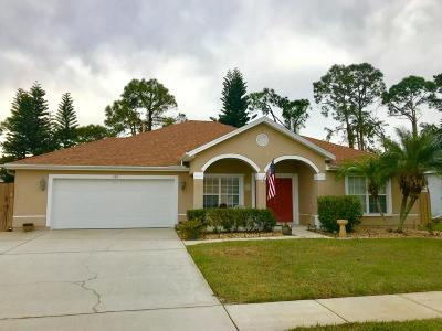 Rockledge Single Family Home For Sale: 422 Stonehenge Circle