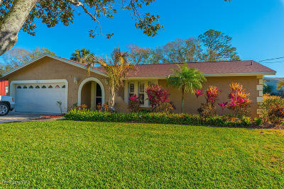 Rockledge Single Family Home Contingent: 1371 Gleneagles Way