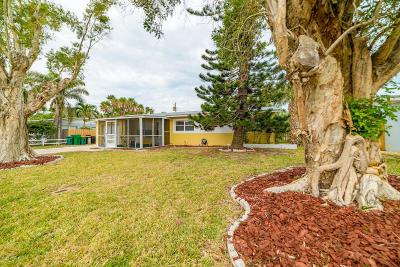 Satellite Beach Single Family Home For Sale: 169 SE 1st Street SE