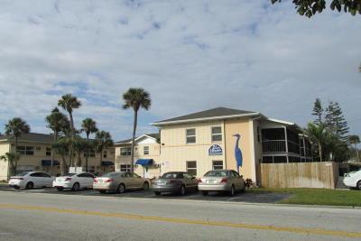 Cocoa Beach Condo For Sale: 380 N Brevard Avenue #7