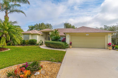 Merritt Island Single Family Home For Sale: 3800 Savannahs Trl