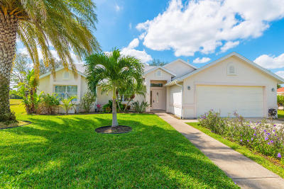 Rockledge Single Family Home Contingent: 2631 Canterbury Circle