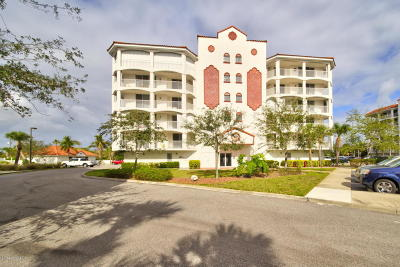 Merritt Island Condo For Sale: 820 Del Rio Way #204