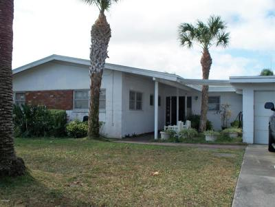 Cocoa Beach Single Family Home For Sale: 26 Azalea Drive
