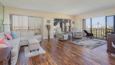 Cocoa Beach FL Condo For Sale: $389,900