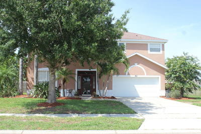 Rockledge Single Family Home For Sale: 465 Stonehenge Circle