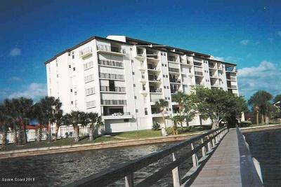 Melbourne Beach Condo Contingent: 3220 River Villa Way #143