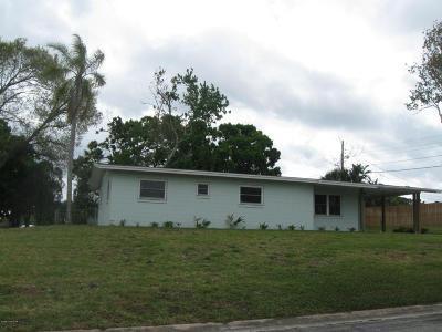 Titusville Single Family Home For Sale: 695 Delespine Avenue