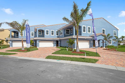 Indian Harbour Beach Townhouse For Sale: 138 Mediterranean Way