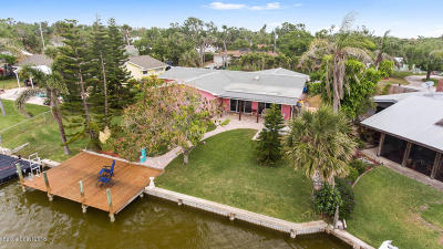 Cocoa Beach Single Family Home For Sale: 1075 Samar Road