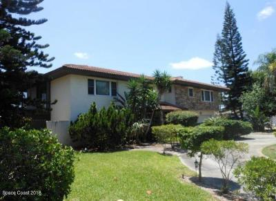 Melbourne Beach Single Family Home For Sale: 417 Riverview Lane