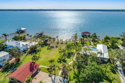 Merritt Island Single Family Home For Sale: 6845 S Tropical Trail