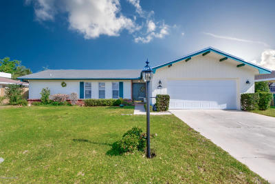 Indian Harbour Beach Single Family Home For Sale: 1192 Bay Drive E