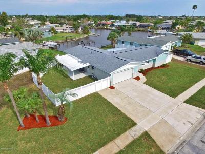 Merritt Island Single Family Home For Sale: 430 Ursa Avenue